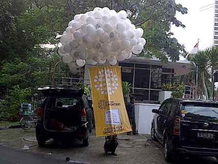 Balon Gas Pelepasan Putih